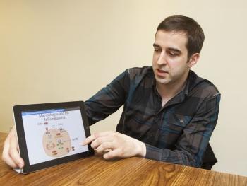 長庚生技馬奕安博士(Jan Martel)說明發炎與諸多慢性病間的關聯性。