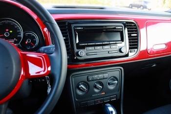 2013 Volkswagen Beetle TDI。