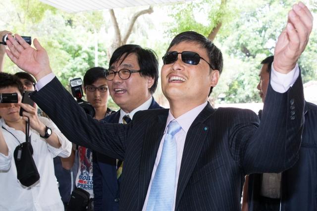 正在台灣訪問的中國盲人維權律師陳光誠。(記者陳柏州/攝影)