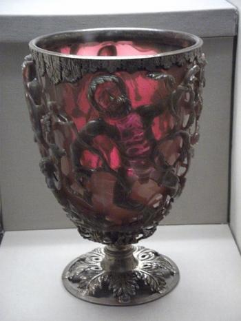 技藝驚人 1,600年前神秘高腳杯 使用奈米工藝