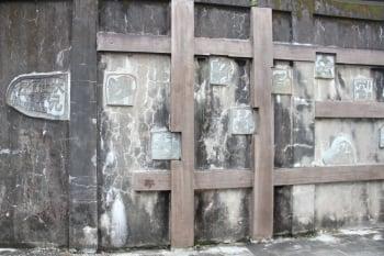 行行出狀元 石雕百工壁畫。(記者謝月琴/攝影)