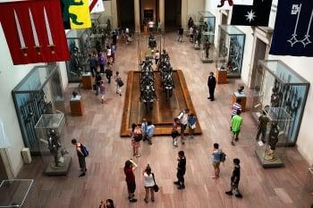 博物館內中世紀的武器和盔甲。(Getty Images)