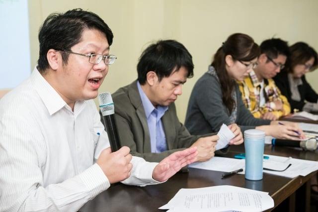 翻轉選舉運動11日舉行選制改革座談會,希望能打破台灣政治長期被家族政治、地方派系壟斷的現象。(記者陳柏州/攝影)