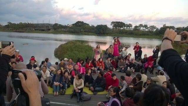 蘭博戶外場,遊客坐擁美景樂音相伴。(蘭陽博物館提供)