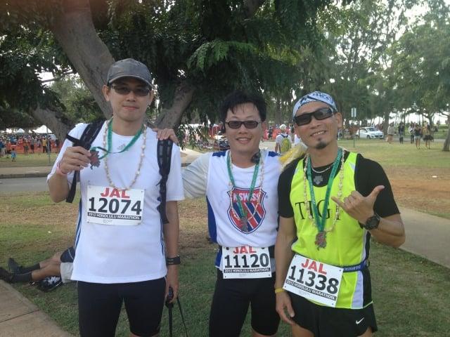 台灣提碁總經理陳崇誠(右)參加2012年檀香山馬拉松。(台灣提碁提供)