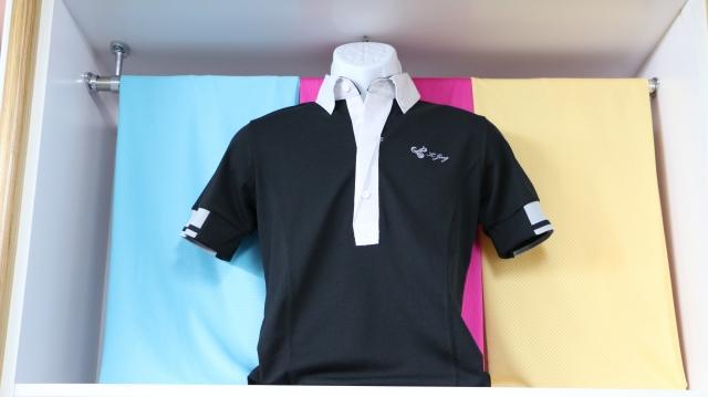 甲乙織造連續幾年皆獲得ISO9001國際品保認證,生產的衣服二十年後依然如新,不起毛球、不鬆垮。(甲乙織造提供)
