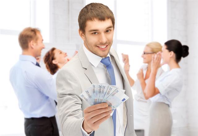 專家建議,掌握一些訣竅,做好萬全的準備,然後勇敢地站出來跟老闆談談,成功加薪的機會就會增加。當然,要求加薪前,最重要的是先看看自己真正的「價值」足夠了嗎。(Fotolia)