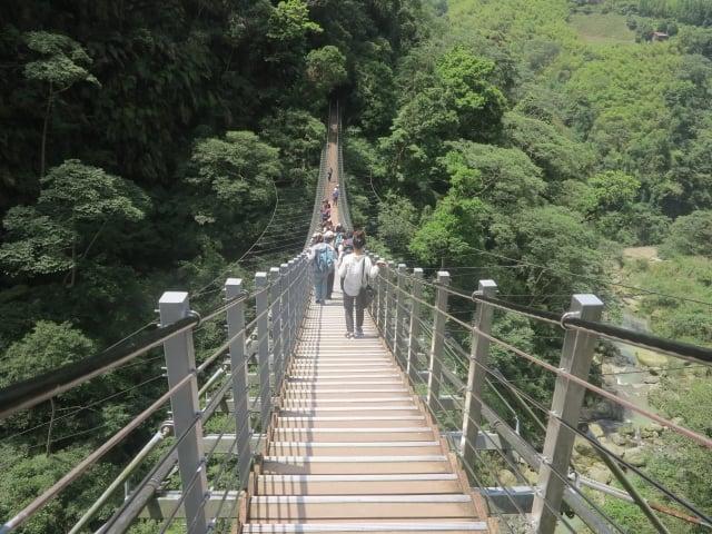 來到天梯索橋,瞬間湧現驚奇感歎。(攝影/鄧玫玲)