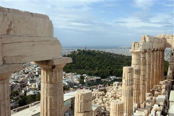 現代希臘深陷危機時「古希臘」重新登台