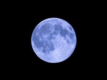 有看見藍月亮嗎? 來看各地藍月亮的風貌