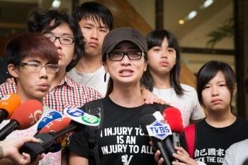 反課綱學生憤而離席 朱震:看到教育的失敗