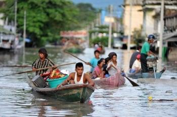 南亞多國暴雨成災 百萬人流離失所