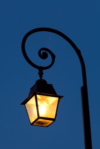 【浮生行吟】黑夜中的溫暖