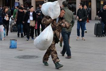 北京面臨經濟風暴 中國民工棄城而去