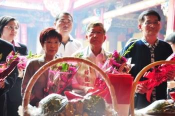 新竹義民祭 洪秀柱、蔡英文首度同台