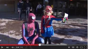 6歲患癌女孩和蜘蛛俠一起打擊罪犯