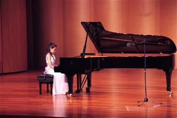 琴音薈萃 陸澳生參與新唐人亞太音樂大賽