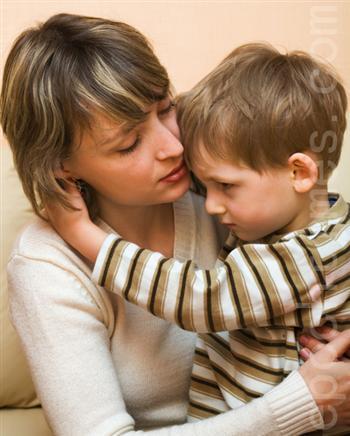 孩子偷拿東西後 這個媽媽的教導方式令人感動