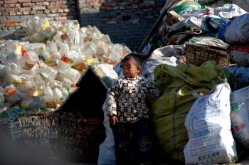 習近平:中國仍有7千萬窮農民