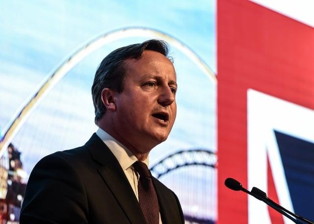 18日,英國首相卡麥隆宣布,來到英國兩年半英語還沒有提高的外國移民,將面臨強制遣返。(AFP)