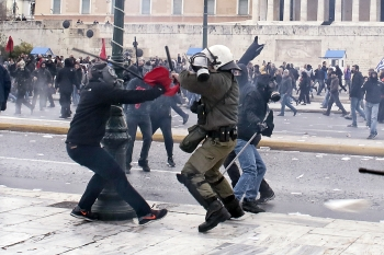 希臘全國大罷工 抗議退休金縮水