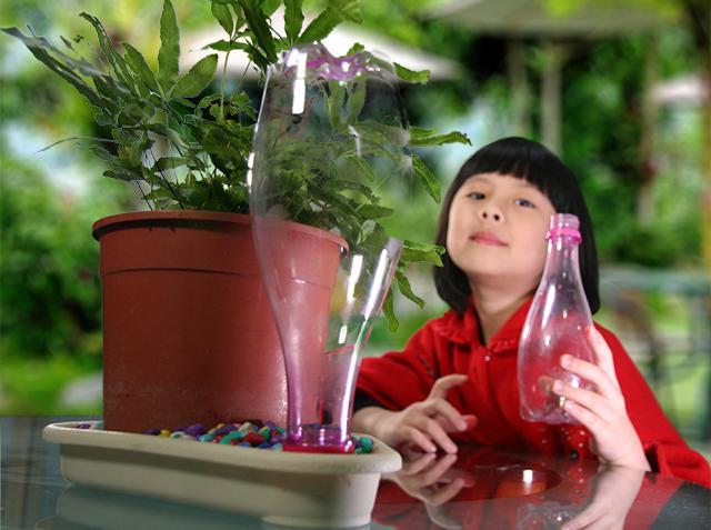 植物自動澆水盤於2014年台北發明展中榮獲金牌獎,從此改變澆水習慣,澆水變超簡單。(攝影/陳冠均)
