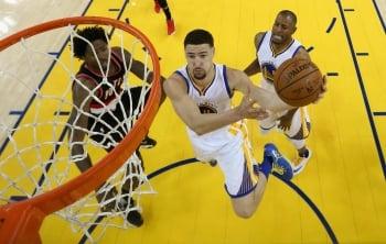 NBA季後賽/湯普森末節甦醒 帶隊逆轉拓荒者