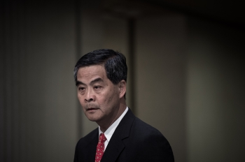 香港再現文革鬧劇 梁振英應被究責下台