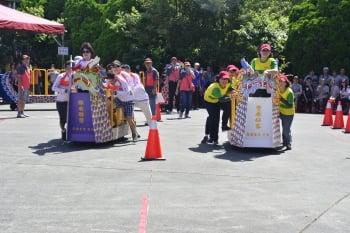 慶端午 葫蘆墩辦陸上龍舟、包粽競賽