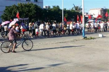 烏坎再有一千多人遊行 要求釋放林祖戀