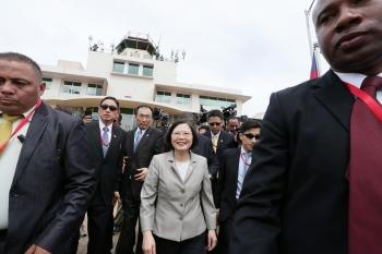 飛抵巴拿馬 蔡總統盼兩國邦誼更穩固緊密