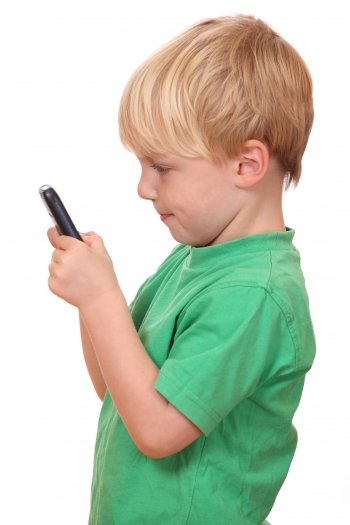 專家:不要過早給孩子手機