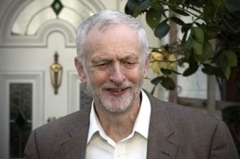 柯賓拒辭  英工黨議員通過不信任案