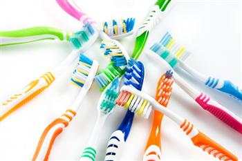 牙刷應該放在哪?大多數人都放錯了地方...除非你喜歡用馬桶水漱口