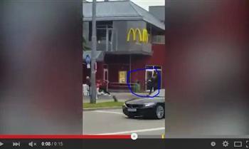 【影片】慕尼黑槍擊案 黑衣槍手向人群開20槍