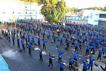 六百多名墨西哥警察學煉法輪功