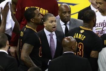 NBA/騎士隊續約傳奇教練魯伊