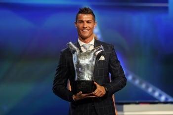 雙冠加持  C羅再得歐洲最佳球員獎