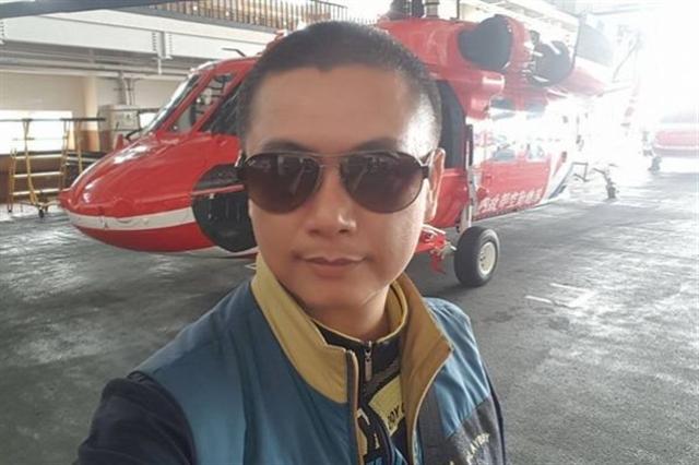 台灣海巡署查緝員柯貞郁為了救罹患「膽道閉鎖」的女兒,原本體重高達92公斤的他,半年內減重22公斤。(柯貞郁臉書)