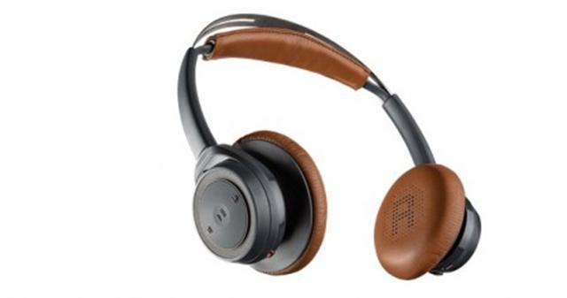 Backbeat Sense SE藍牙耳機戴在頭上很舒服,且具有防水功能。(Plantronics官網截圖)