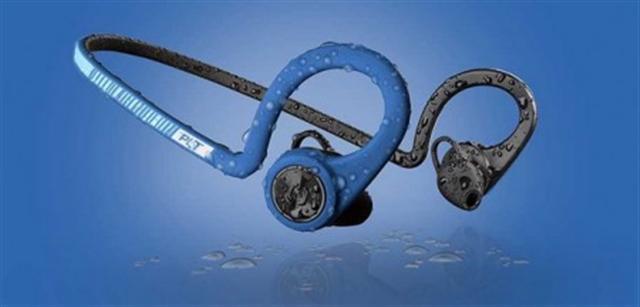 Plantronics Backbeat Fit藍牙耳機通過IP57國際防水防塵標準認證。(Plantronics官網截圖)
