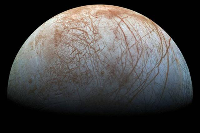美國宇航局(NASA)表示,將在9月26日召開新聞發布會,宣布在木星衛星——木衛二上發現的「驚人活動」。(NASA)