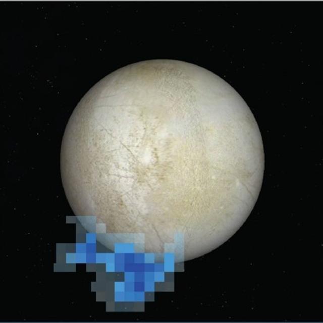 2012年12月,哈勃望遠鏡觀測到看起來很像是水蒸氣柱的物體從木衛二的南極地區噴射而出,高達200千米。在圖像上的顯示則是藍色的像素。(NASA)