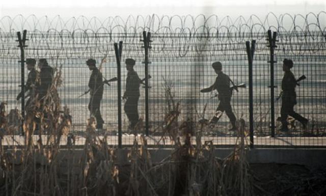 北韓士兵越過軍事分界線 投奔韓國