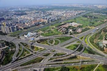基礎建設過剩 陸公路虧損或再創新高