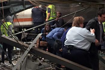 紐澤西州火車撞月台 目擊者:像炸彈在眼前爆炸