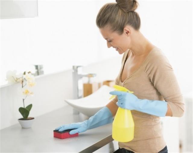 瀉鹽已被證明可以非常有效的去除油脂與髒污。(istock)