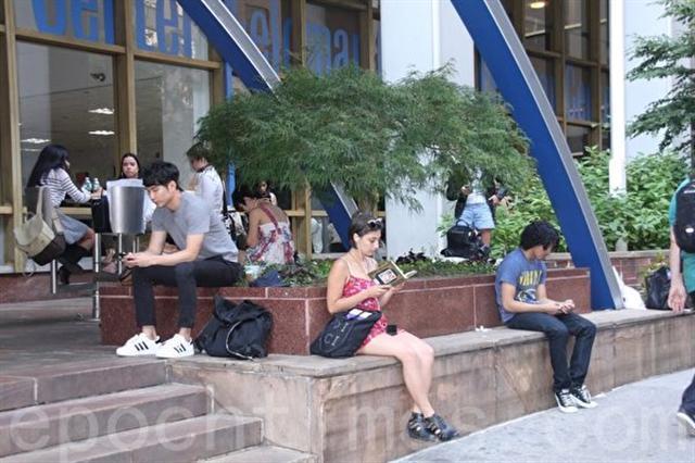 數據顯示,全美現有123萬持有F和M類簽證的國際學生就讀於8697所學校。中國留學生人數最多,近37.9萬。(任倩雪/大紀元)