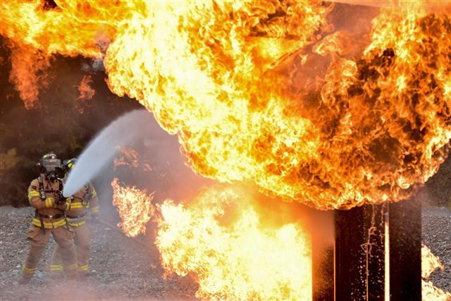 遇到火災時,千萬不能躲浴室,其實這是錯誤觀念。(Pixabay CC0)