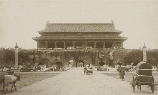 1900年的天安門正面(維基百科公有領域)